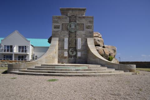 Mossel-Bay-War-Memorial